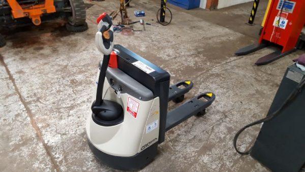 електрическа палетна количка wp2315