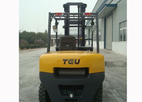 Мотокар TEU 4.5-5 тона 3